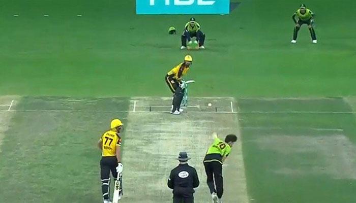 پشاور زلمی نے لاہور قلندرز کو 7 وکٹ سے ہرادیا