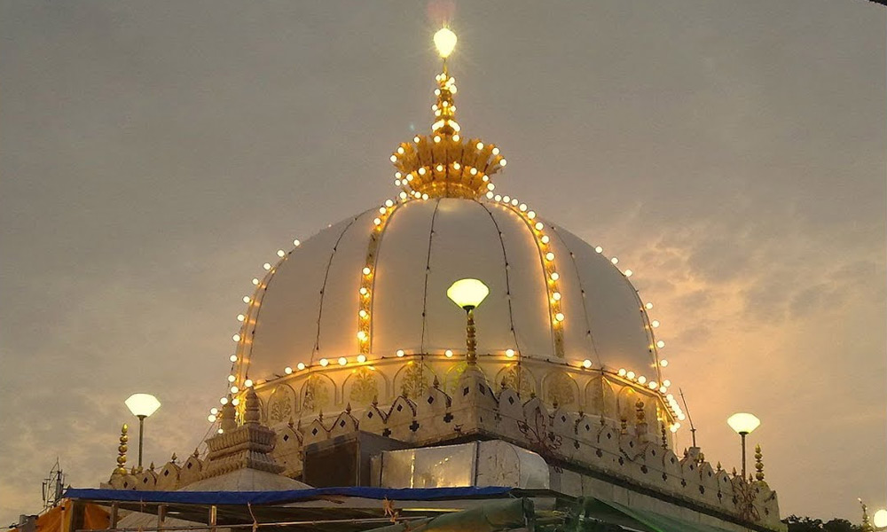 امامُ الاولیاء، سیدِ اجمیر ''حضرت خواجہ غریب نواز رحمۃ اللہ علیہ''