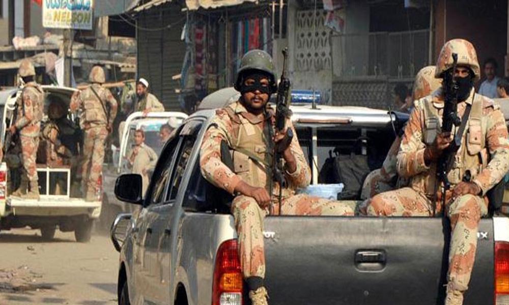 کراچی: رینجرز کارروائی، بھتے اور دستی بم حملے کے 3ملزمان گرفتار