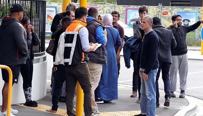 نیوزی لینڈ میں شہید پاکستانیوں کے گھر لوگوں کی آمد