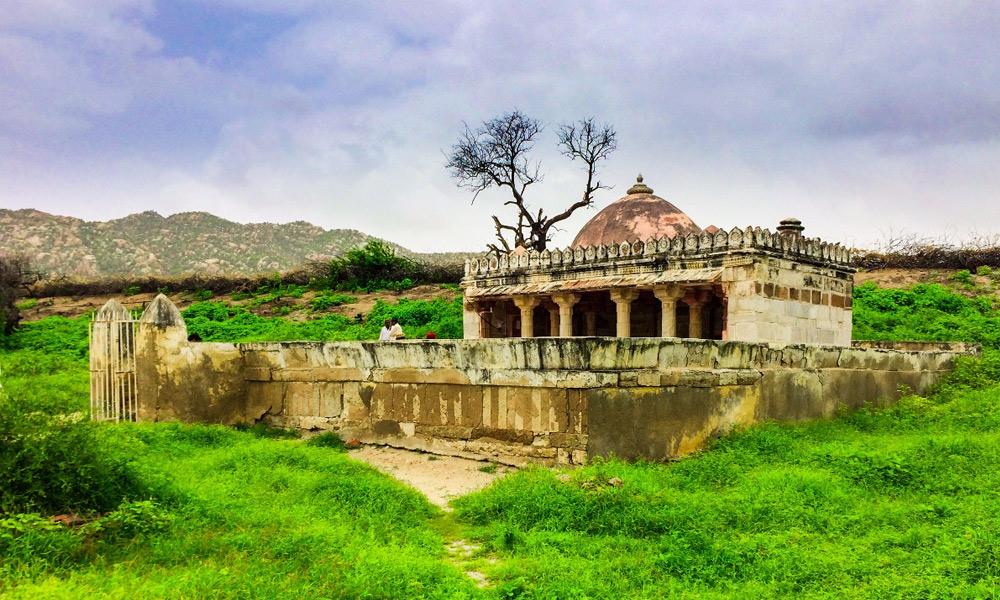 پانچ سو سالہ قدیم ''بھوڈیسر مسجد''