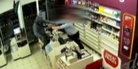 Store Worker Disarms Robber With A Knife In Shocking Cctv Uk