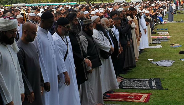 نیوزی لینڈ میں نماز جمعہ کی ادائیگی، جسینڈا آرڈرن اشکبار
