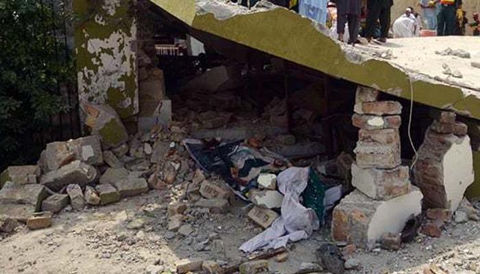 اٹک: گھر کی چھت گرنے سے 7افرادجاں بحق