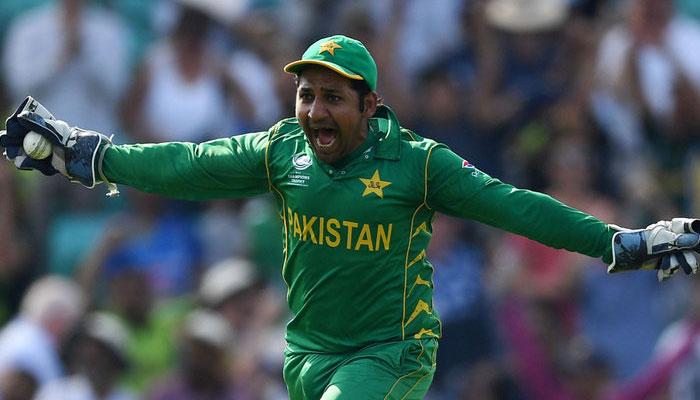 'کپتان سرفراز احمد کھیل سے دور نہیں ہوئے'