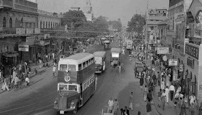 کراچی میں کبھی ڈبل ڈیکر بسیں بھی چلتی تھیں