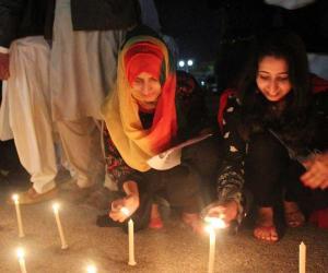 پاکستان سمیت دنیا بھر میں ارتھ آورمنایا گیا