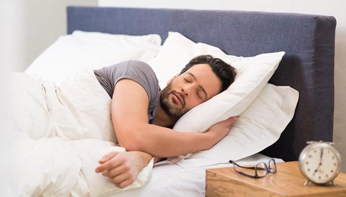''بھرپور نیند'' جِلدی مسائل کا حل