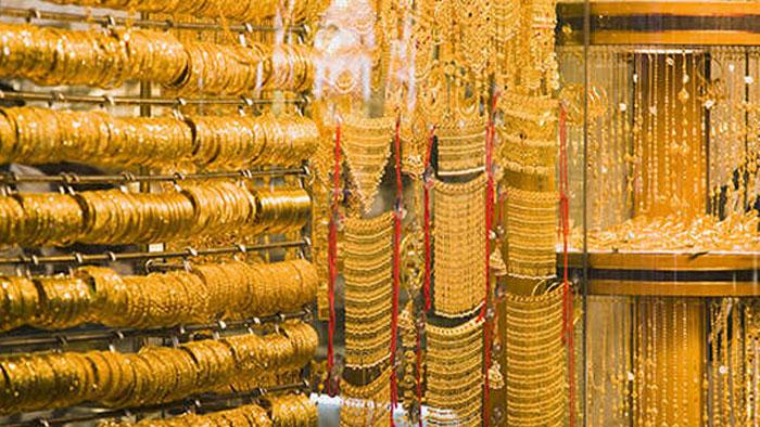 سونے کی فی تولہ قیمت میں مزید 300 روپے کا اضافہ