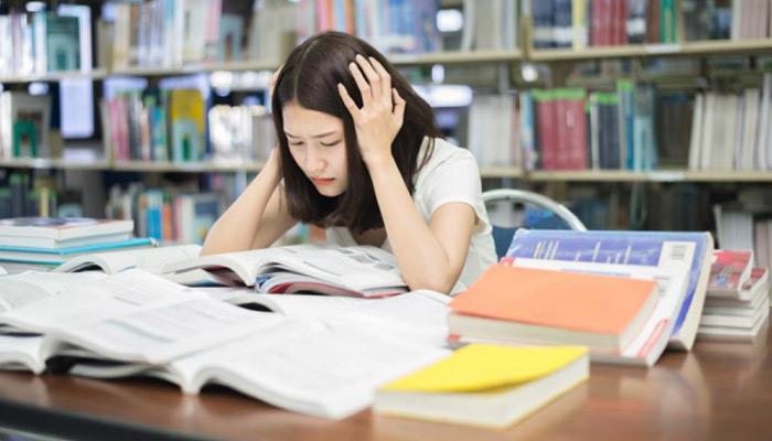 امتحان کے دباؤ سے کیسے نمٹیں؟