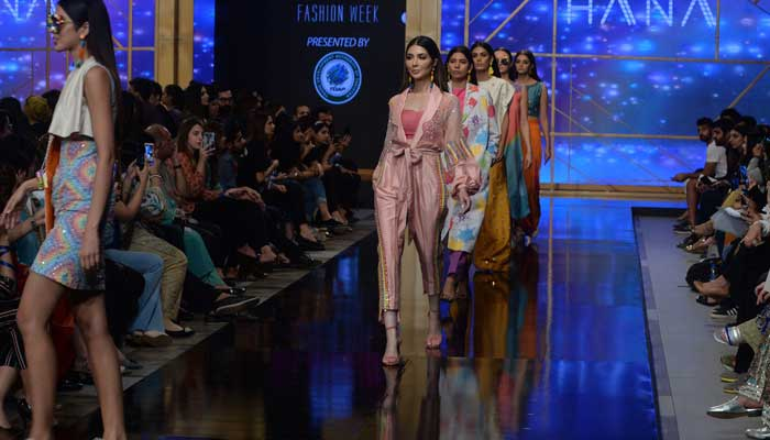 لاہور میں3 روزہ فیشن ویک اختتام پذیر ہو گیا