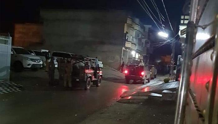 پشاور، حیات آباد آپریشن 11 گھنٹوں سے جاری