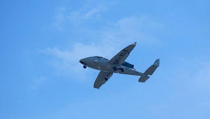 دنیا کے سب سے چھوٹے جیٹ طیارے کی پہلی اڑان