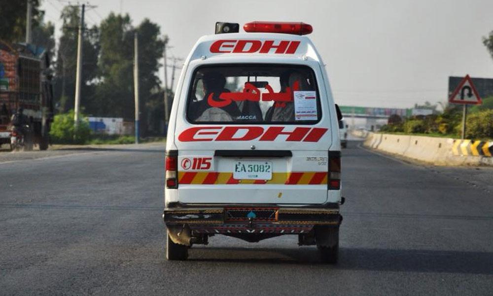 رحیم یار خان: وین اور ٹریکٹر ٹرالی میں ٹکر، 10 افراد زخمی