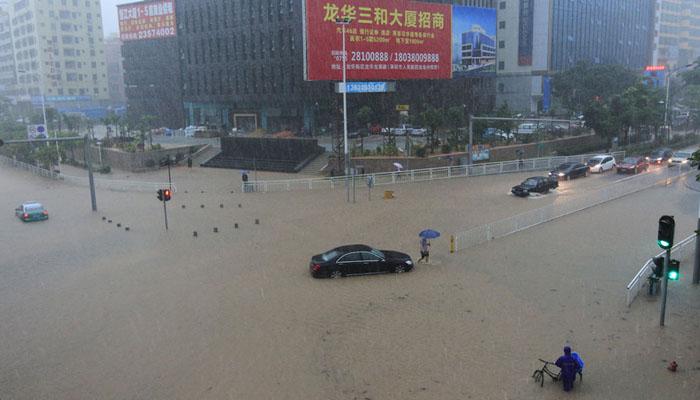 چین میں شدید بارشیں اور ژالہ باری، ٹریفک کی روانی متاثر