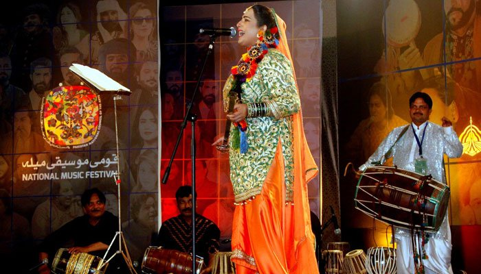 قومی موسیقی میلے کا آغاز ۔۔۔فنکاروں نے رنگ جمادیا