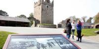 Swords Selfies Game Of Thrones Fever Boosts N Ireland Tourism