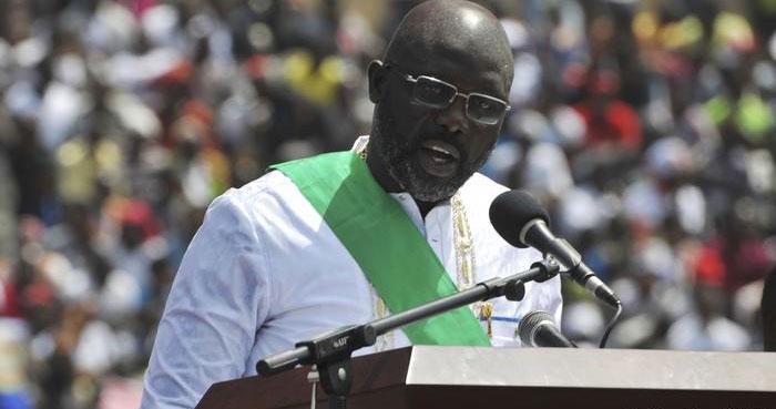 دفتر میں سانپ آنے سے افریقی صدر نے کام روک دیا