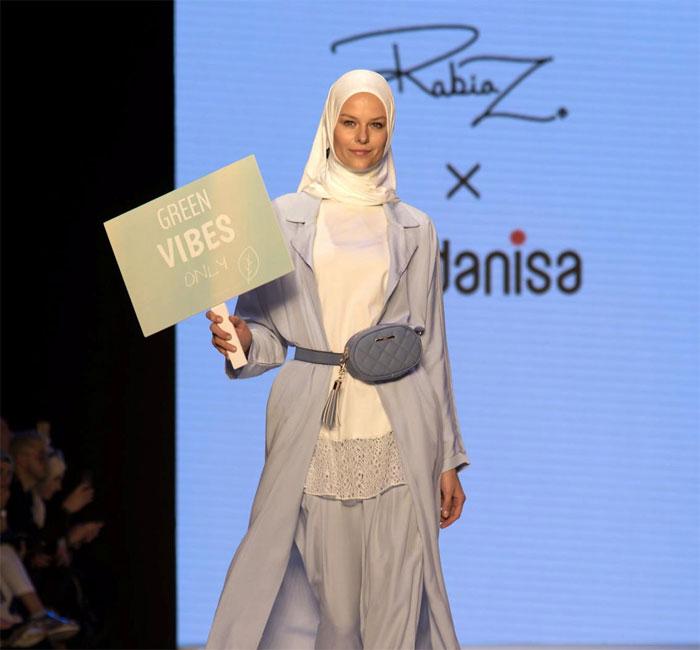 استنبول میں ماڈلز کے حجاب پہن کر ریمپ پر جلوے