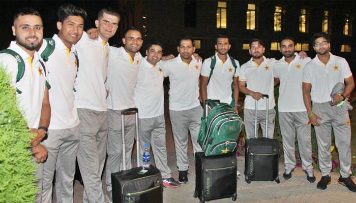پاکستان کرکٹ ٹیم دورۂ انگلینڈ کے لئے روانہ