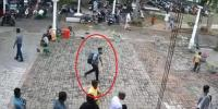 Exact Moment Suicide Bomber Enters Sri Lankas St Sebastian Church