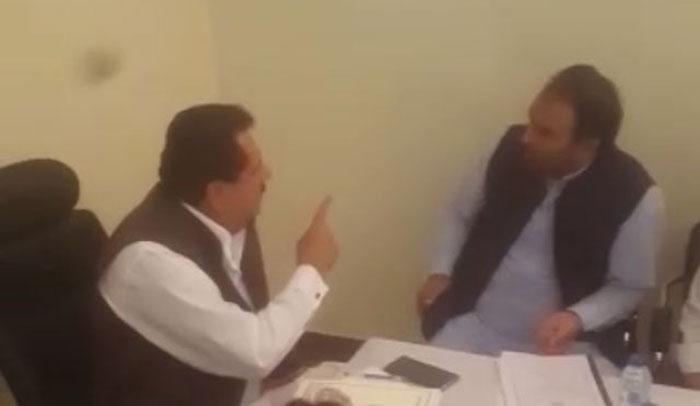 وفاقی وزیر طارق چیمہ اور ایم پی اے نذیر چوہان میں تلخ کلامی