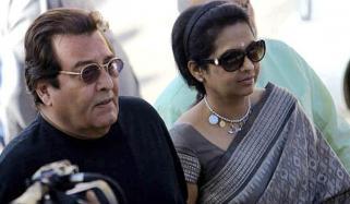 Vinod Khannas Wife Upset As Bjp Fields Sunny Deol From Gurdaspur