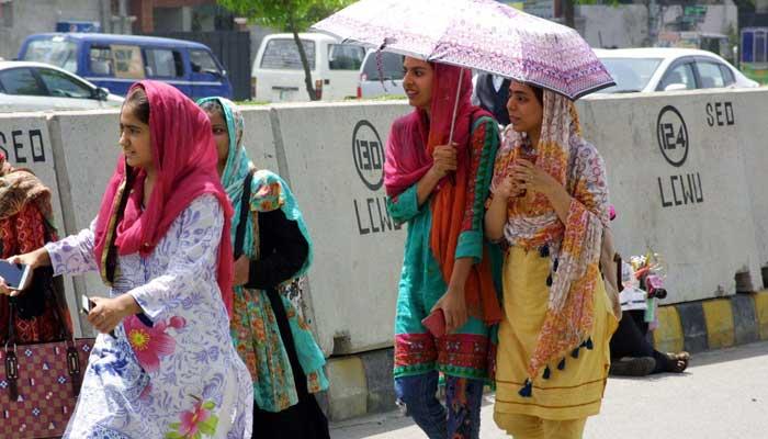 بیشتر علاقوں میں آج موسم گرم اور خشک رہے گا