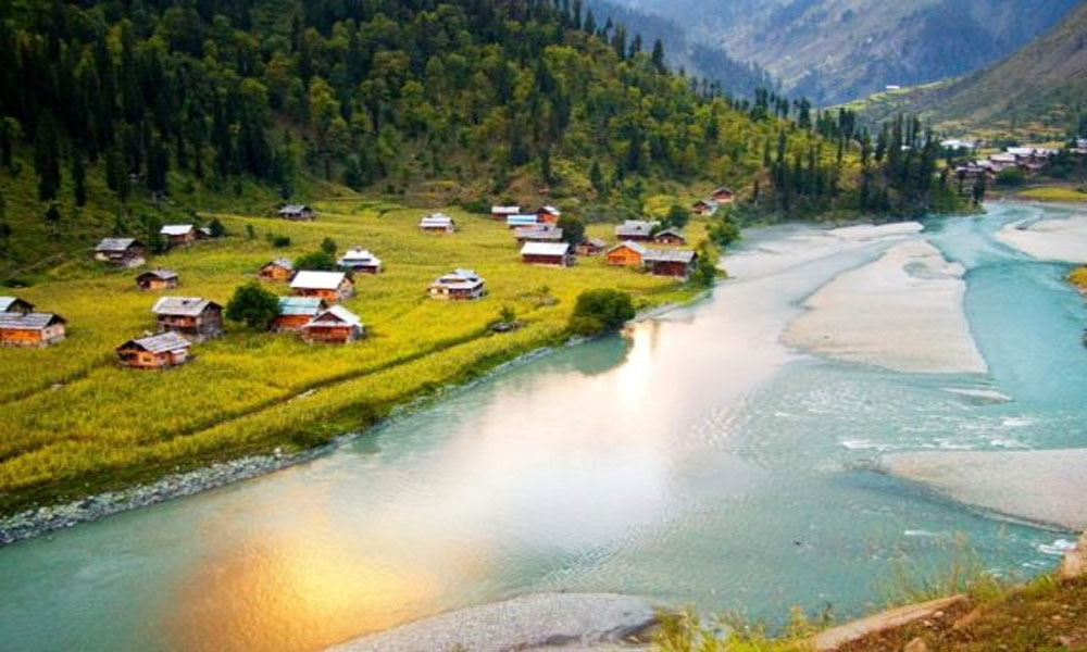 ناران کو 4 ماہ بعد سیاحوں کیلئے کھول دیا گیا