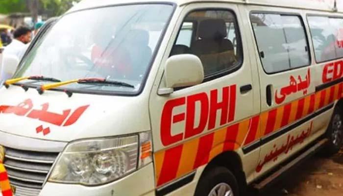 شکارپور :مسافر وین اور ٹریلر میں تصادم ،10مسافر زخمی