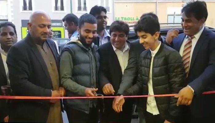 پیرس میں پاکستانی ریسٹورنٹ کا افتتاح