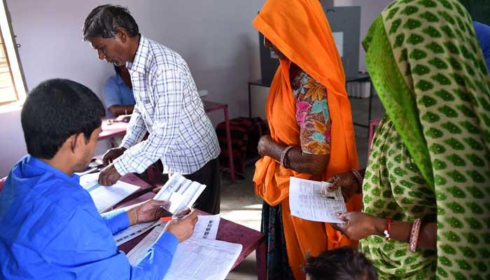 بھارت کی7ریاستوں میں انتخابات کیلئے پولنگ جاری