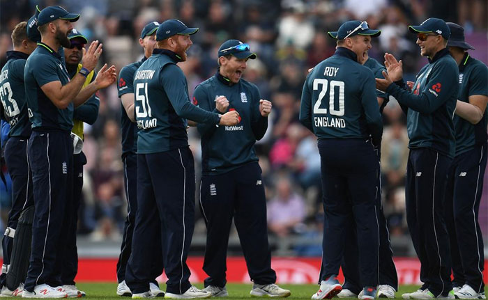 سنسنی خیز مقابلے کے بعد انگلینڈ نے پاکستان کو 12 رنز سے ہرادیا