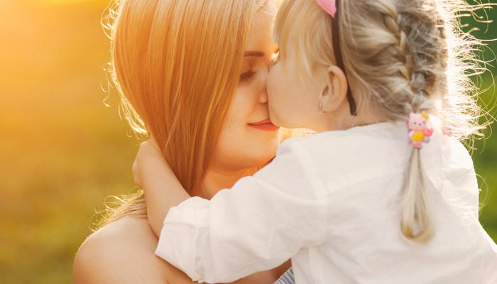 دنیا بھرمیں 'ماؤں کا عالمی دن' منایا جارہا ہے