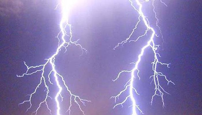 حافظ آباد، آسمانی بجلی گرنے سے تین افراد جاں بحق