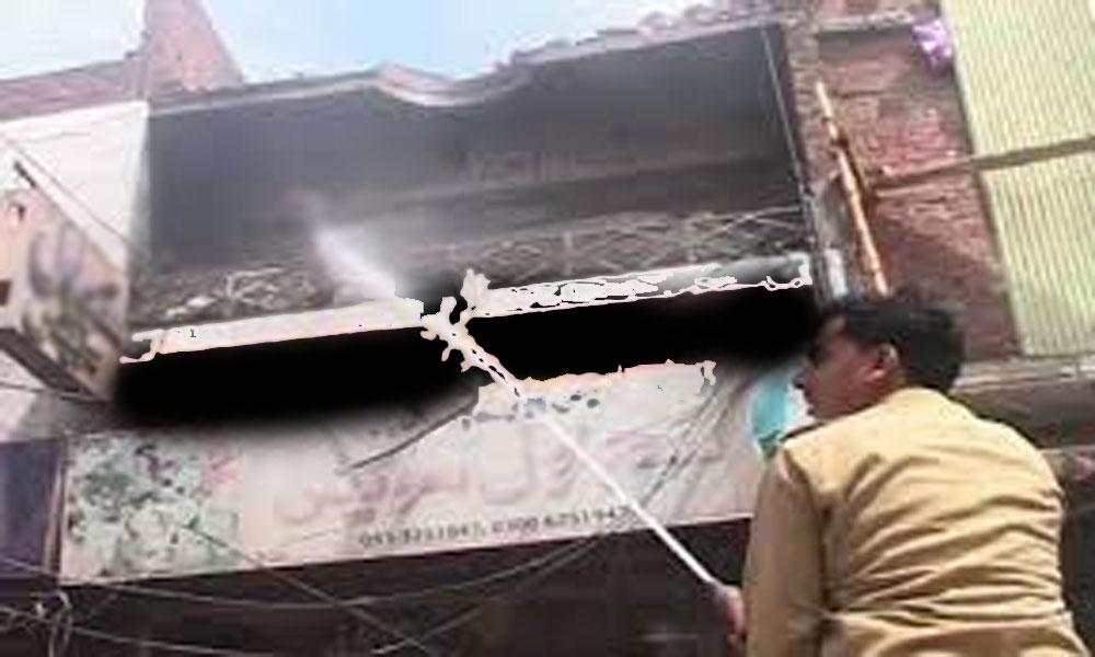 گوجرانوالہ: مٹھائی کی دکان میں آگ لگ گئی