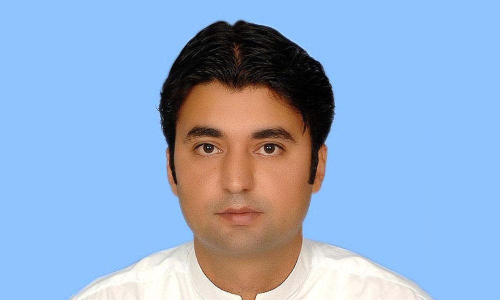 ''عمران خان کی قیادت میں ادارے بہتر ہونے لگے''