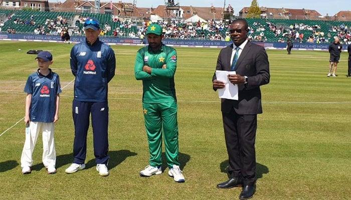 انگلینڈ کا پاکستان کیخلاف ٹاس جیت کر فیلڈنگ کا فیصلہ
