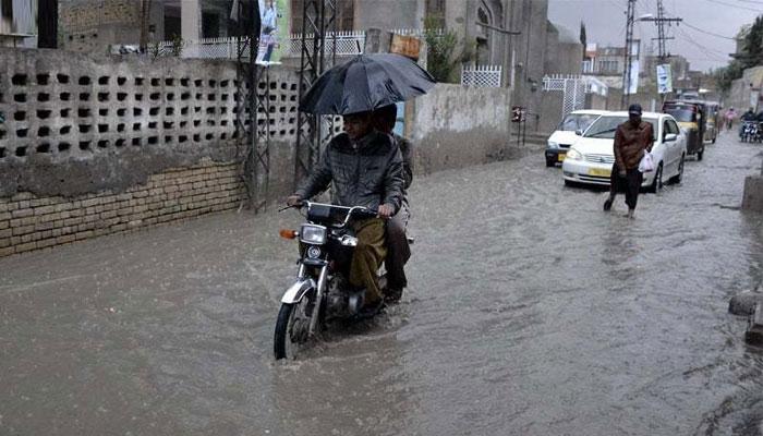 کوئٹہ میں گرج چمک کیساتھ موسلادھار بارش