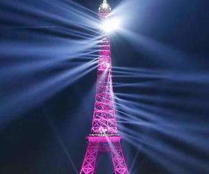 ایفل ٹاور پر شاندار لائٹ شو