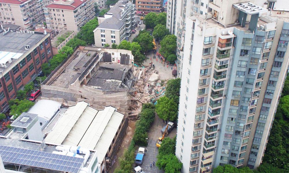 شنگھائی میں زیرِ تعمیر عمارت گر گئی، 10 افراد ہلاک