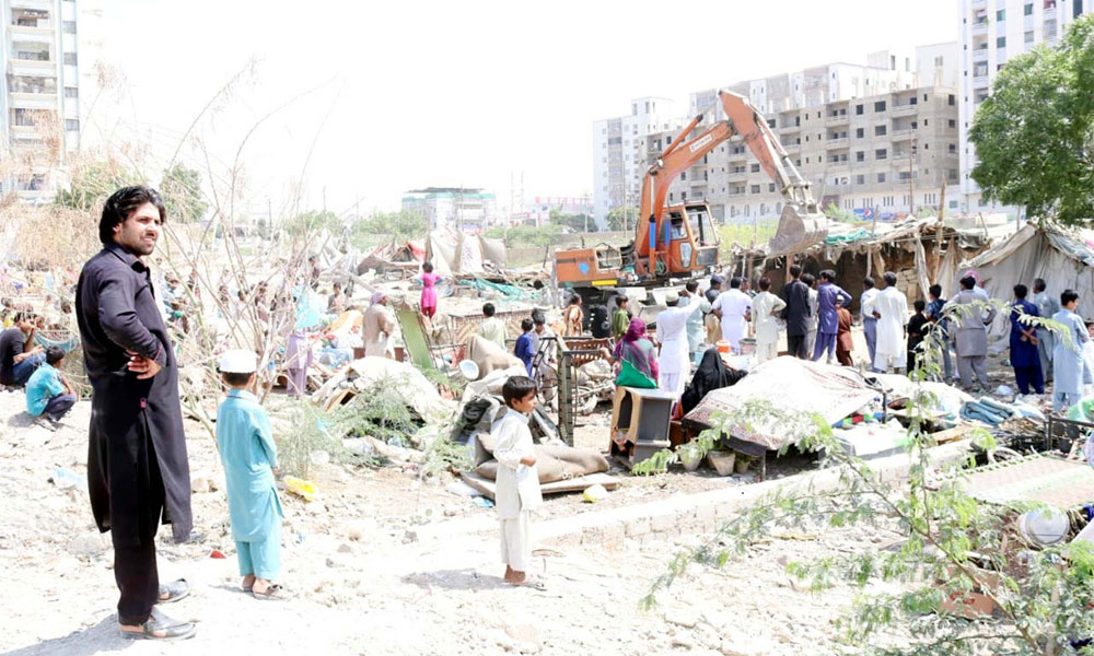 کراچی سرکلر ریلوے ٹریک سے تجاوزات ہٹانے کا سلسلہ جاری