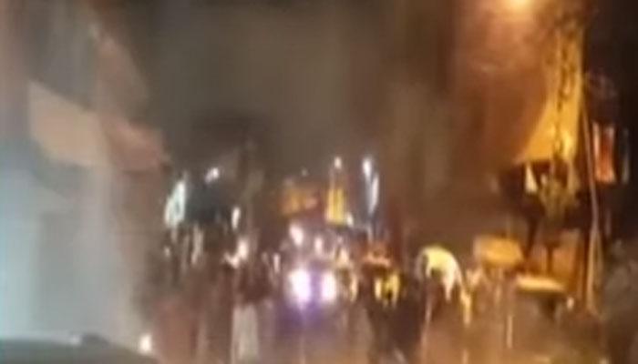 کراچی، پی آئی بی میں پانی کی عدم فراہمی پر احتجاج
