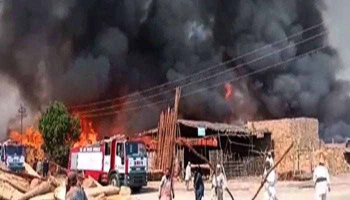 فیصل آباد، روئی کے گودام میں آتشزدگی