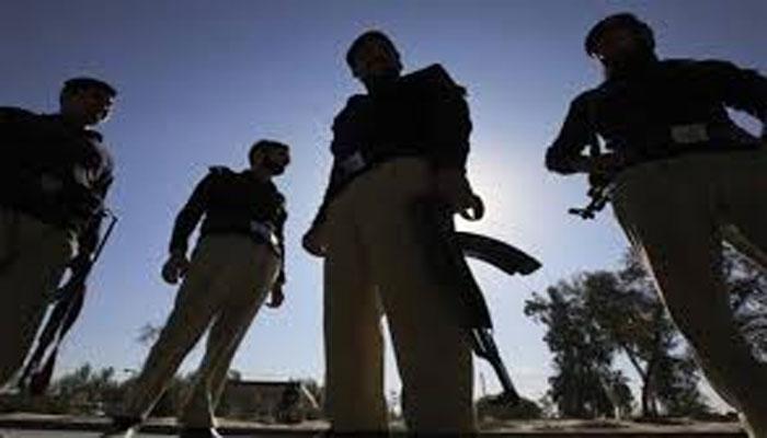 کراچی،مبینہ پولیس اہلکاروں کا تاجر کے گھر چھاپہ، بھتہ طلب