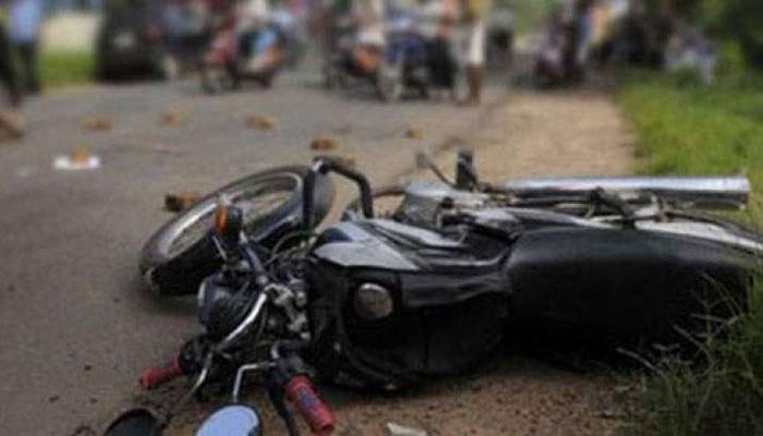 فیصل آباد، ٹرک کی زد میں آکر 3 نوجوان جاں بحق