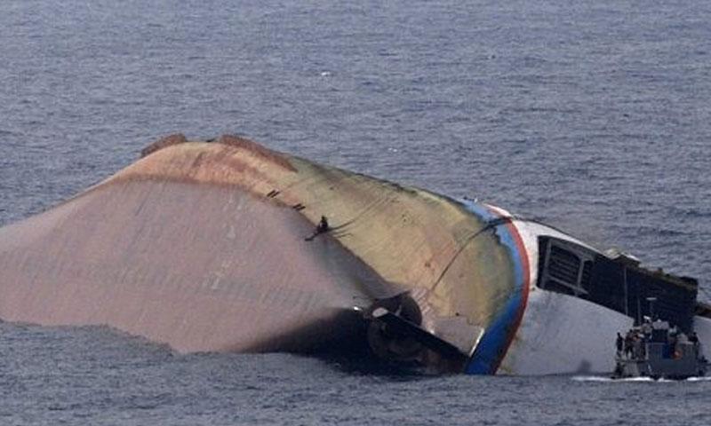 کراچی: ابراہیم حیدری جیٹی کے قریب کشتی ڈوب گئی