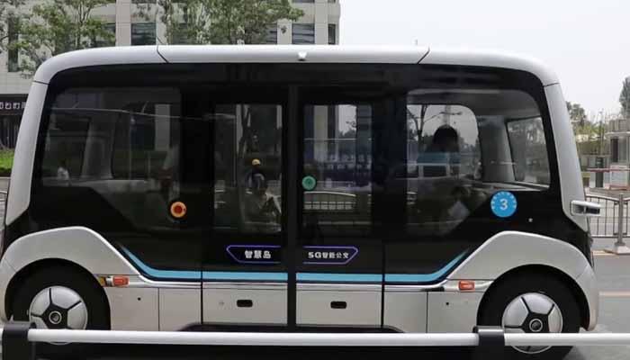 چین: خود کار طریقے سے چلنے والی بس کا میاکب تجربہ
