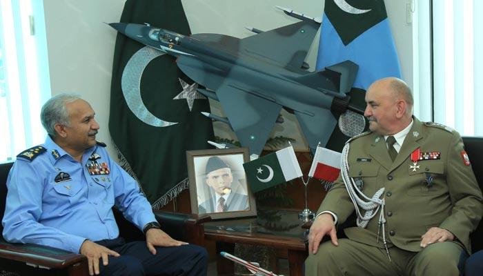 ایئر چیف سے پولش مسلح افواج کے سربراہ کی ملاقات