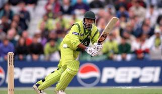On This Day In 1997 Saeed Anwar Stunned Indian Crowd Into Silence With Record Breaking 194